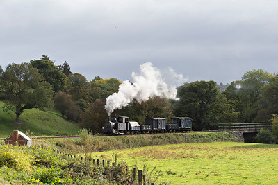 The Earl #822 brings a Llanfair bound freight across the Banwy Riiver