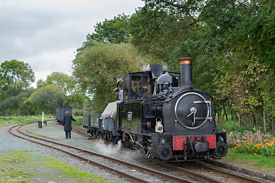 The Earl #822 shunts at Cyfronydd Station 3