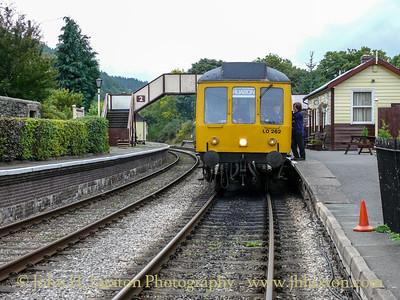 Class 108 DMU at Glyndyfrdwy - October 02, 2010