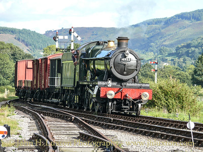 4953 PITCHFORD HALL arrives at Carrog with a demonstration freight train on September 11, 2010