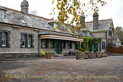 Tavistock North Station - October 27, 2016