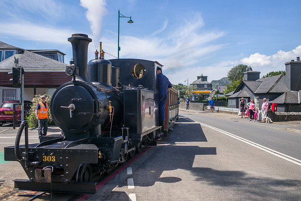 Ex War Department Hunslet 1215 / 303 on loan from the War Office Locomotive Trust tailing the 16:05 Porthmadog Harbour to Beddgelert. Ffestiniog Railway LYD was the lead engine.