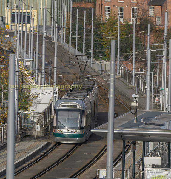 Bombardier INCENTROS 219 departs north from the Nottingham Station Stop towards Weekday cross and the city centre