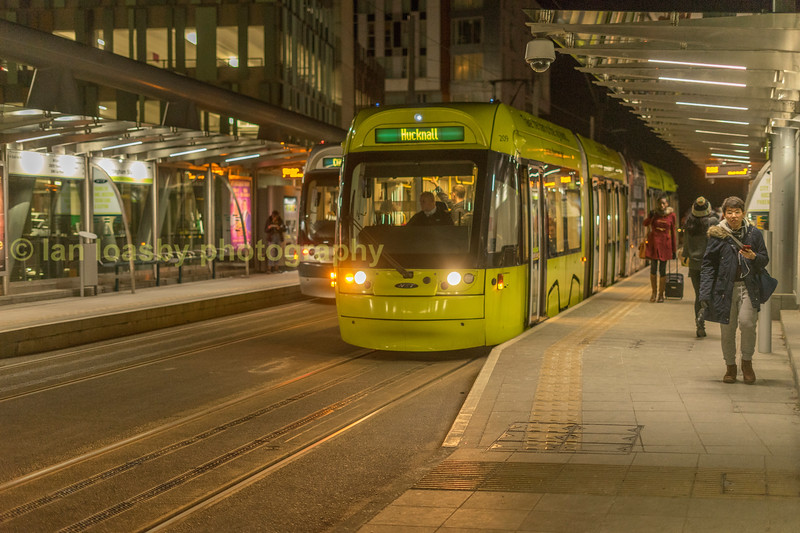 Bombardier 209 departing from Nottingham station