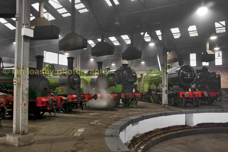 Loco's around the turntable in Barrow Hill roundhouse