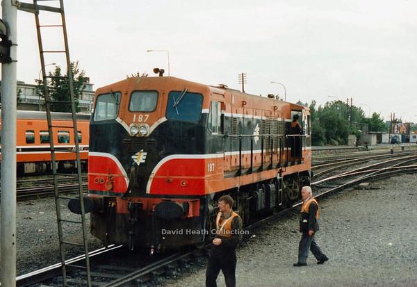 187  (IR Branding & modified livery) Shunting Heuston  D Heath
