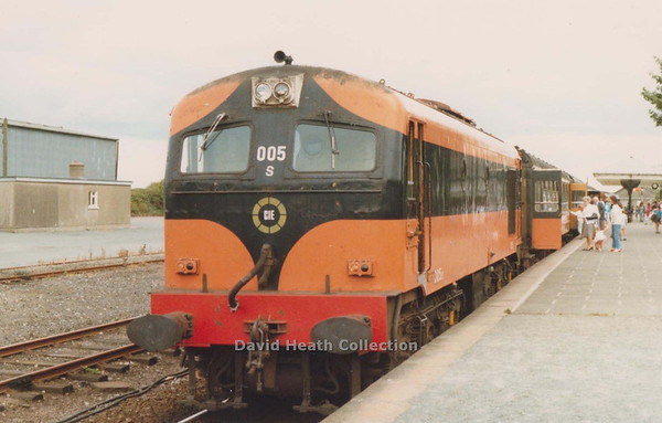 005 (CIE Branding & Livery) Rosslare - Dublin Wexford  1982  D Heath
