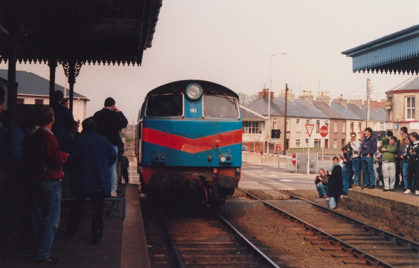 101 Eagle Backing onto Tour Irish Traction Group The Hunslet Farewell Saturday 21 April 1990 D Heath