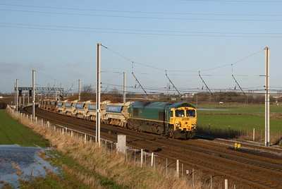 66 612 heading south with railtrack ballast hoppers 11/12/06