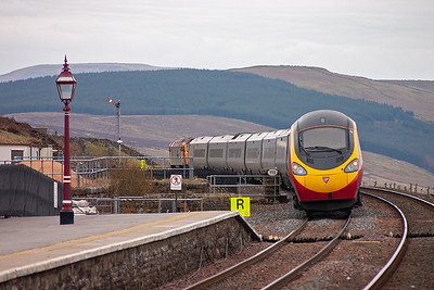 Turning round for the going away shot of 390047 in the unlikely setting of the S&C.
