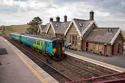 Kirkby Stephen has been restored to a high standard and is lived in thereby giving security to it. 156473 draws in with its booked stop with 2H95 1614 Carlisle to Leeds.
