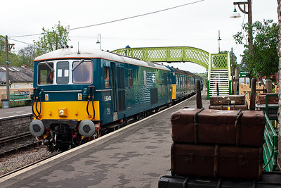 E6043 runs into Corfe station with 3417 and 2N21 1545 from Harmans Cross. Behind is the station's new footbridge and it fits into the charm of the station perfectly.