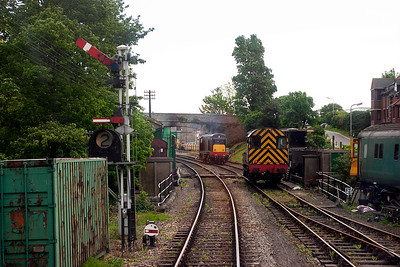 Our train has the road into platform 2 passing shunter 08436 and D8188 which will take this train back to Norden.