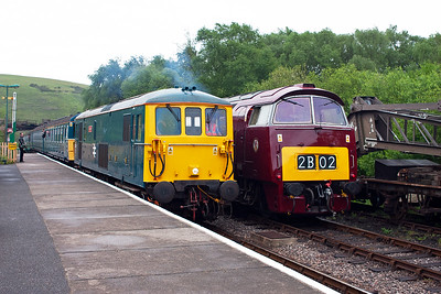 And here it is.  73208 runs into Norden with 3417 on 2N23 1625 from Harmans Cross. The class 73 has a 600hp English Electric SRKT mk2 diesel engine for working away from the third rail. D1015 has two Maybach MD655 1350hp power plants.