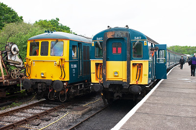 4VEP 3417 has arrived at Norden, 1425 from Harmans Cross 2N17 having been brought in by D6515. 73208 will drop onto the unit for the run back to Harmans Cross.