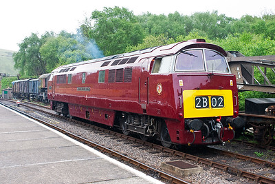 D1015 ticks over at Norden waiting for the next train to run in.