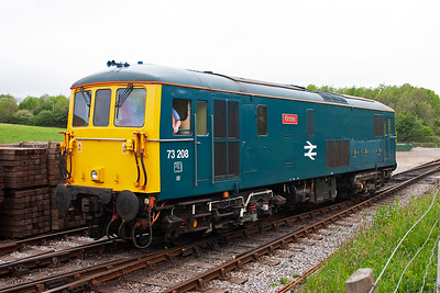 73208 enters the loop at Norden to wait for its next working.
