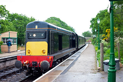 D8188 runs into Harmans Cross station with 2N26 1710 from Swanage. So endeth the first day, a quick meal at my parent's house and it was down to the beer tent...dreadful :-) 11/5/2007