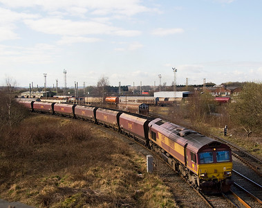 66081 with another Liverpool Fiddlers Ferry Coal train, taking the curve from Arperly yard to Arperly Jct.  19/03/11