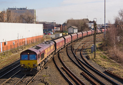 66081, having run-round at Latchford Sidings takes 6F81 past Arperly bo. 19/03/11