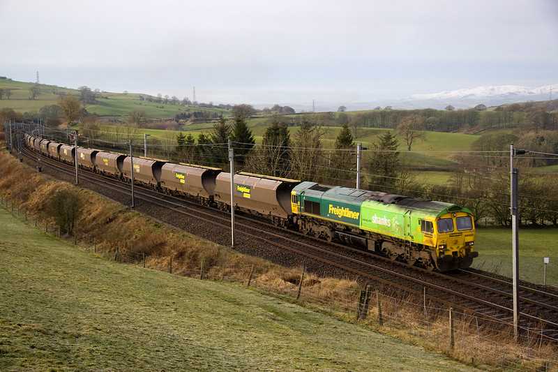 66522 passes Hardrigg with 4Z97 Fiddlers ferry-Carlisle - 28/1/12