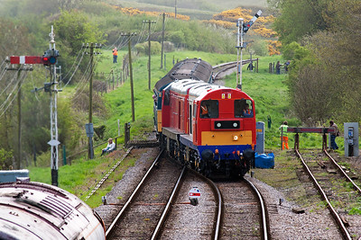 Even more English Electric motive power with type 1s 20227 and 20189 arriving into the loop with 1N06 1200 Swanage to Norden.