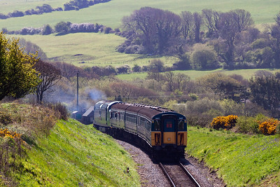 With the single Napier Deltic powerplant putting out a haze of two stroke clag, 55019 turns to head east for Harmans Cross and Swanage.