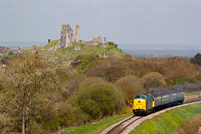The castle ruins form the most dramatic backdrop on any preserved line in my opinion. 55019 running on just one engine lifts the four coach EMU with ease up the 1 in 80 pull.