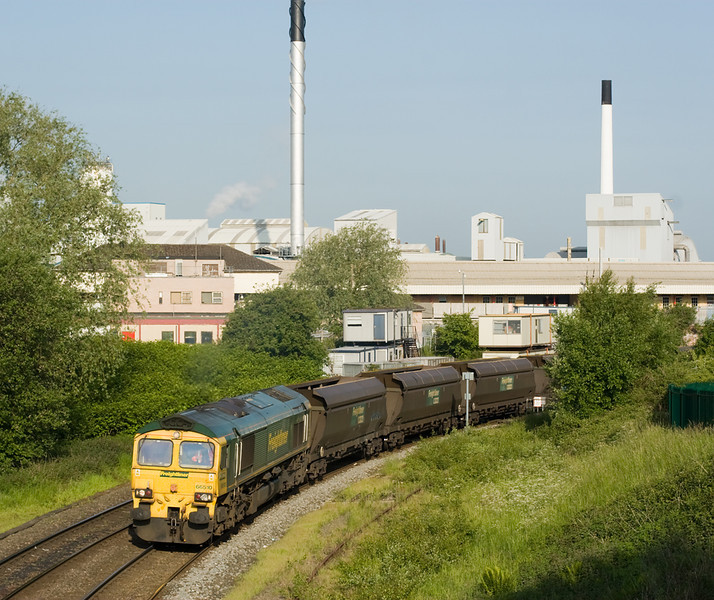 66510 has charge of 4C20 again on 8 June 2013, here passing under Warrington Bank Quay station after a crew change.