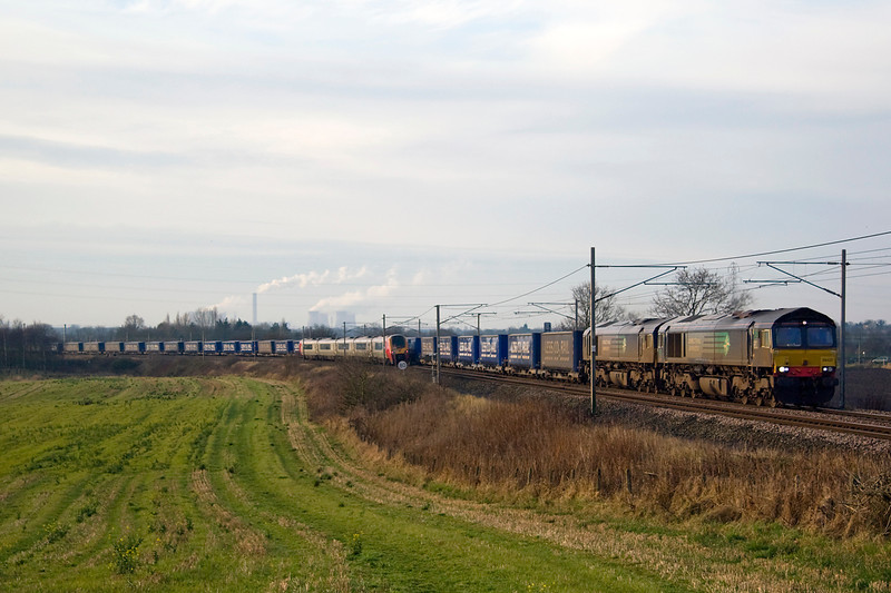 """First trip out of the year and headed to Red bank ( Winwick) to ALmost be """"bowled"""" by a southbound Voayager - 66305 and 66427 double-head 4S43 Daventry mossend on 12 January 2013.  The weather wasn't quite what I'd hoped for"""