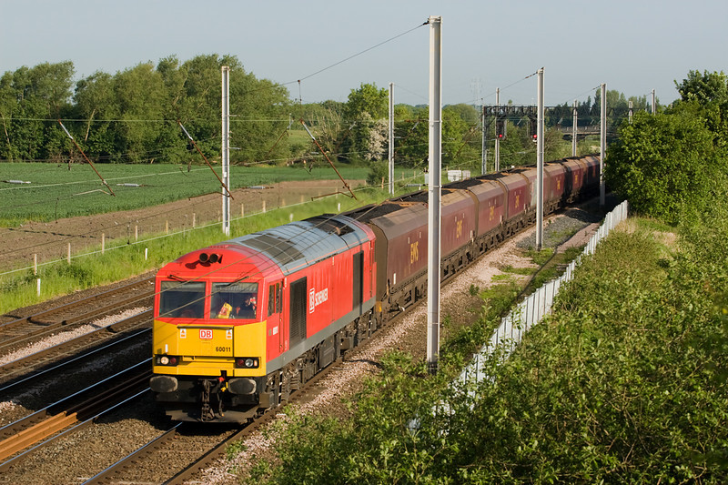 60011 heads past winwick with 6F84 from Liverpool to fiddlers ferry 8 June 2013