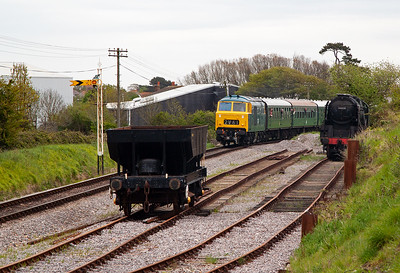 The headline attraction is diesel hydraulic class 35 Hymek D7076 making it the first Hymek to grace Swan Rail metals. Its train is 2N06 1000 Swanage to Norden.