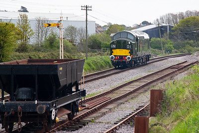 15 minutes after the Hymek passed Herston I took a call from Steve Barker to say the Hymek had failed at Harmans Cross and it was all my fault!! A coupling shaft from the hydraulic drive to one of the bogies had broken and it looked like it may be out for the whole weekend. D6757 heads north as 0N01 Thunderbird rescue loco to clear the failed train. Oh dear had I jinxed it with my earlier comment?
