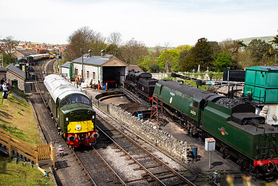 The class 40 went as far as the inner home signal before taking the crossover to gain the line to the bay platform.
