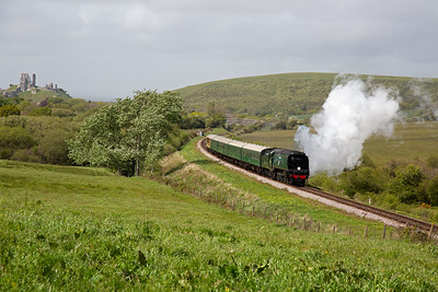 This train is 2N15 1440 Norden to Swanage and is made up of four BR mkI coaches and the Pullman observation coach.