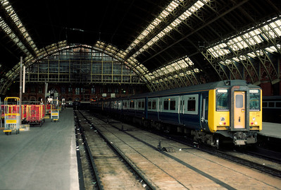 317 316 and 317 330 at St Pancras with 16.14 to Bedford 27/4/85