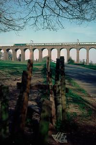 Unidentified Class 47 – 17.15 Kings X - Peterborough crossing Welwyn Viaduct 26/4/84