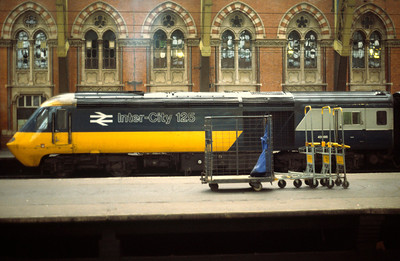 43086 at rear of 15.50 St Pancras- Nottingham 2/3/85