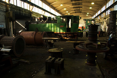 25-30 surrounded by various bits of coal screening equipment and a heavily stripped down  720 ( possibly 720-001)