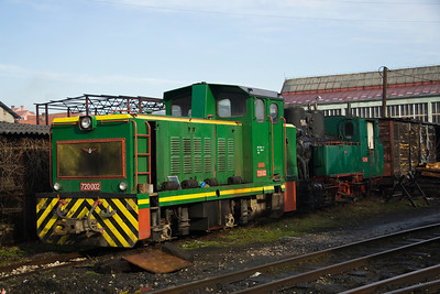 Outside the workshops at Banovici are 720-002 and 55-99
