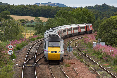 The first up working from Aberdeen to London drops down from Dalgety Bay with 43257 leading with 43317 at the back.