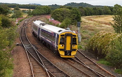 I started off at Inverkeithing and 158735 heads for Edinburgh with 2K04 0922 off Glenrothes with Thornton.  The set passes the end of the up passenger loop.