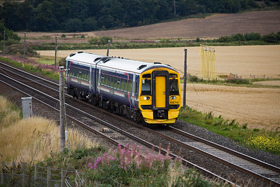 And just for a change, a class 158 sprinter runs south for Edinburgh with 1L10 1002 off Perth.