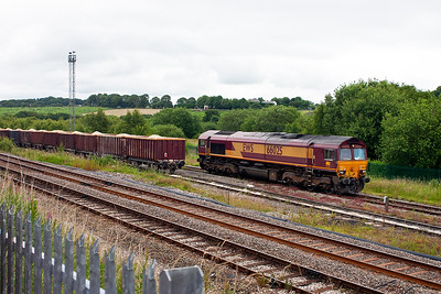 With the train safely in the Up Relief Sidings, the driver can run his loco round its train.