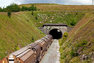 The short train is about to enter the 512 yard long Hindlow tunnel.
