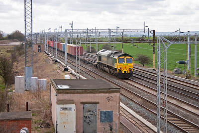 The sky was clouding over as the morning wore on and the first northbound freight approaches with 66535 bound for the Liverpool terminal at Ditton with 4M94 0730 off Felixstowe North Yard.