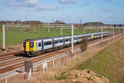A pair of class 350 Desiro units form a down working, 1N43 0927 Euston to Northampton, the sets are 350107 and 350129.
