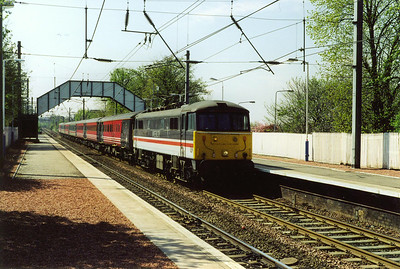 InterCity liveried 86209 passes through Slateford with 1S48 0905 Birmingham New Street to Edinburgh.