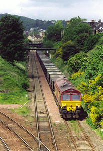This is one of two shots I particularly wanted. 66182 approaches Craiglockhart tunnel and junction coming up from Gorgie Junction. The train is one of two that is routed this way during the day, it is 6B10 1058 MX Longannet to Millerhill empties.