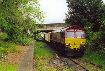 On the Powderhall branch the morning departure for Oxwellmains comes slowly by the disused Meadowbank station platform with 6B41, 0810 off Powderhall. This platform was used during the 1986 Commonwealth Games at the nearby Meadowbank Stadium.